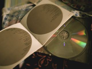 L'arc~en~ciel's RAY album.